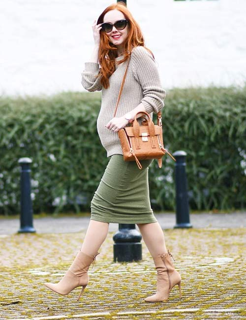 14. FItted Skirt And A Loose Sweater