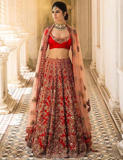 20. Saree Blouse Style Choli For Bridal Lehenga