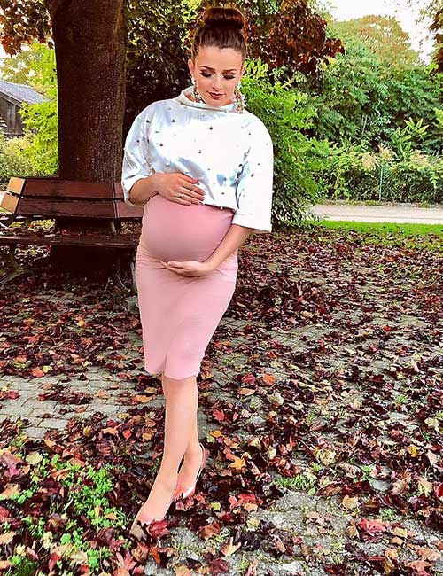 3. Pencil Skirt And A Turtle Neck Top