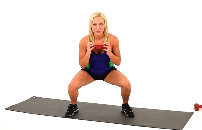 How To Do Squats - Goblet Squat
