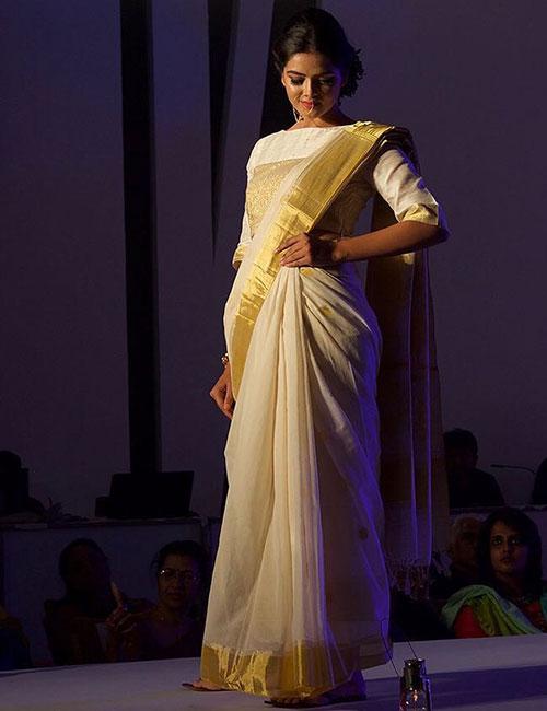 1. The Elegant Kerala Kasavu