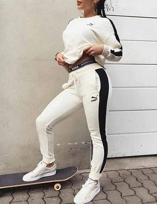 2. A Complete White Joggers Outfit