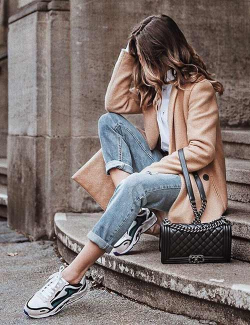 Style Your Mom Jeans - With A Trench Coat