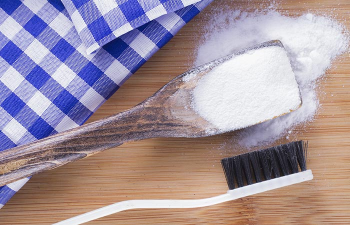 4. Fix Shoe Odor With Baking Soda
