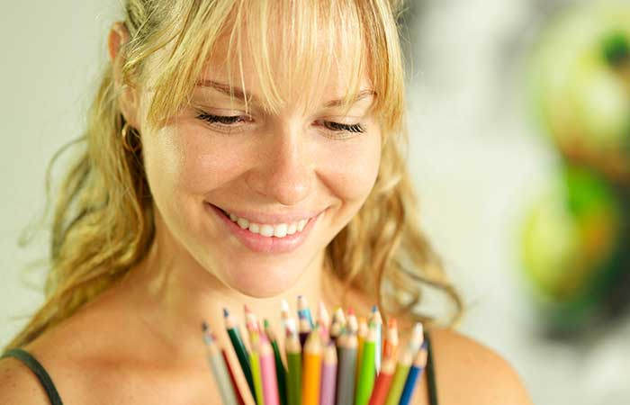 5. Use Color Pencils To Line Your Eyes