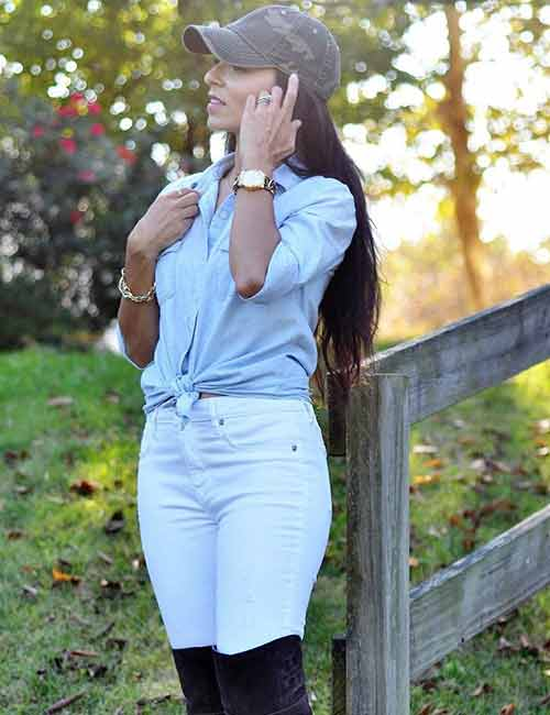 Denim Shirt Outfit Ideas - With Light Washed Skinny Denims