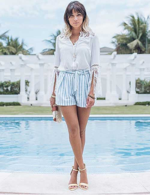 What Shoes To Wear With Shorts - With Ankle Strap Sandals In The Evening