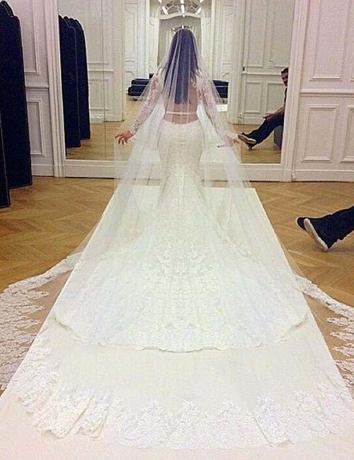 Kim Kardashian Looks - Kim Kardashian's Wedding Outfit