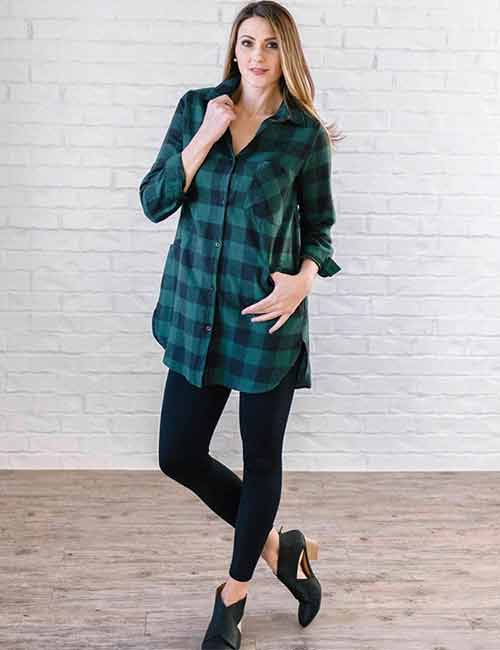How To Wear A Flannel - Oversized Flannel Shirt And Leggings