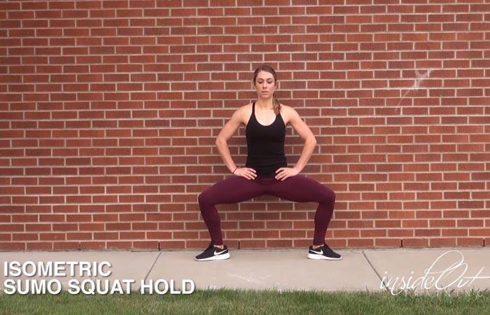 Übungen für den inneren Oberschenkel - Isometrischer Sumo Squat Hold