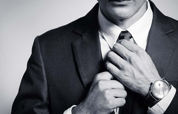 13. Fixing Your Tie