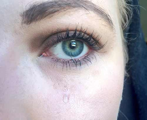 14. When everybody asks you why you're crying and can't see that eyelash in your eye.