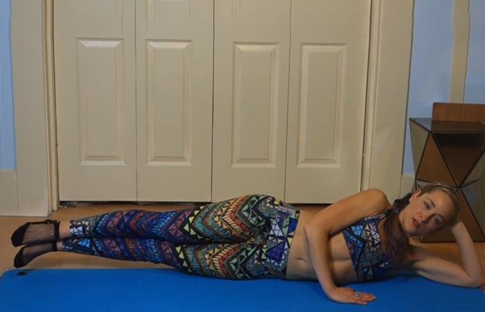 Übungen für den inneren Oberschenkel - Doppelbeinheben auf der Seite