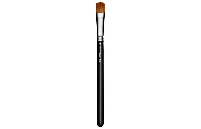 Best Eyeshadow Brushes - 4. MAC 252S Large Shader Brush