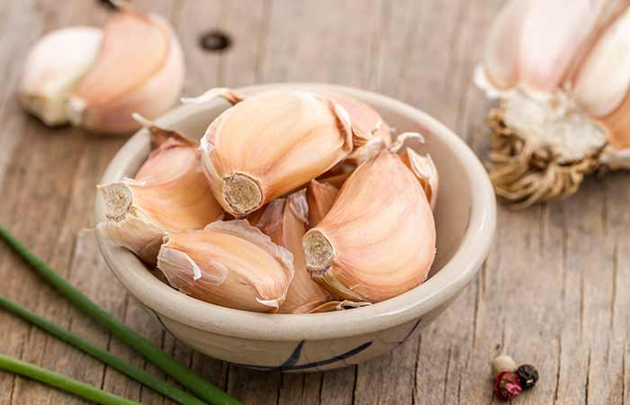 how to get rid of an ingrown toenail at home - Garlic