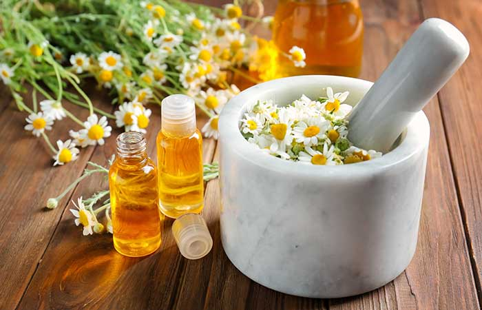 Essential Oils For Sinus Infections - Chamomile Oil