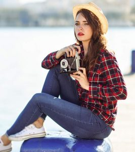 How To Wear A Plaid/Flannel Shirt – Outfit Ideas