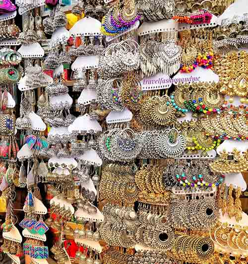 Street Shopping Places In Mumbai - Colaba Causeway Market