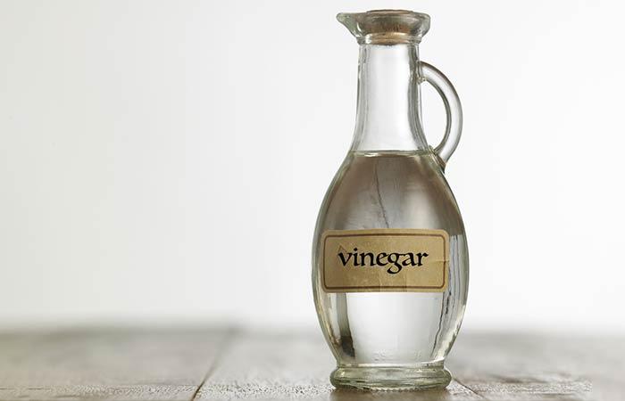 1. With White Vinegar