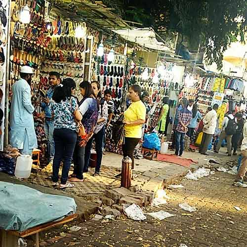 Street Shopping Places In Mumbai - Linking Road