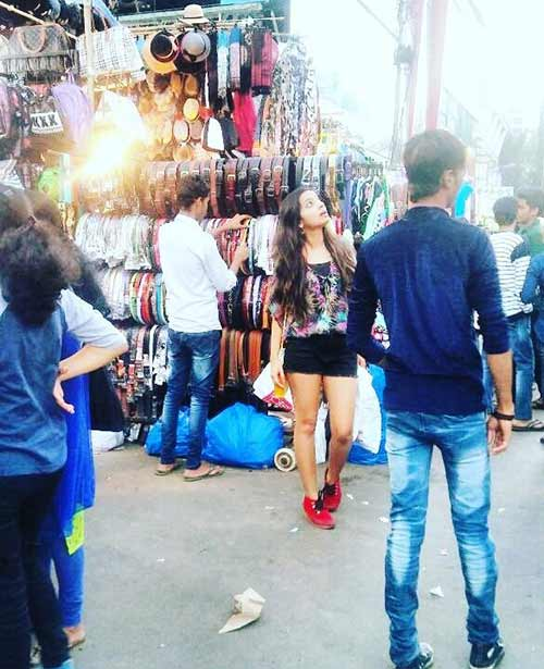 Street Shopping Places In Mumbai - Hill Road