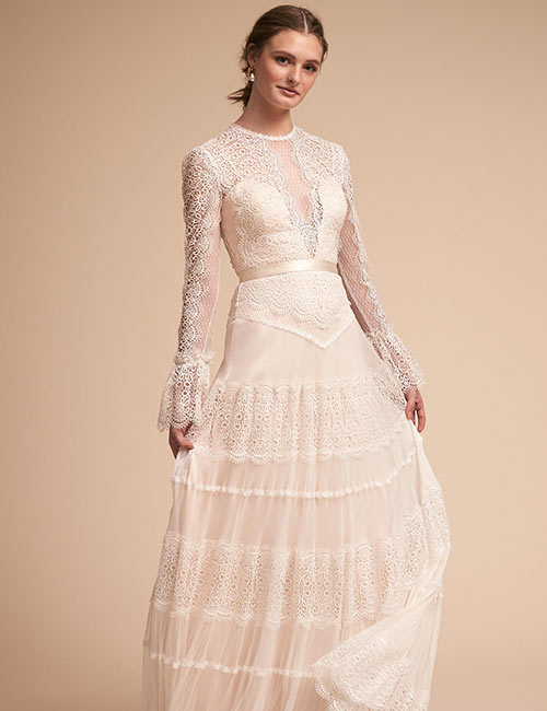 4. Lace And Satin Vintage Wedding Dress