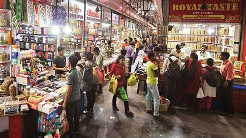 Street Shopping Places In Mumbai - Crawford