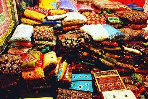 Street Shopping Places In Mumbai - Hindmata Market