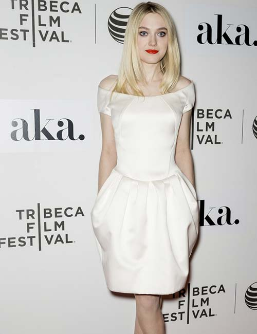 Short Female Celebrities - Dakota Fanning