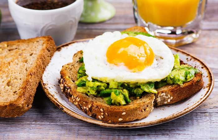 Colazione salutare - Sunny Side Up e Avocado Toast