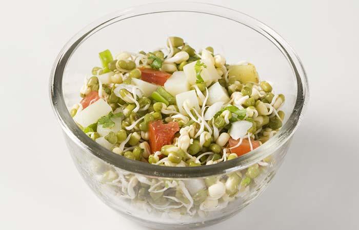 Colazione salutare - Insalata di germogli con polvere di semi di lino