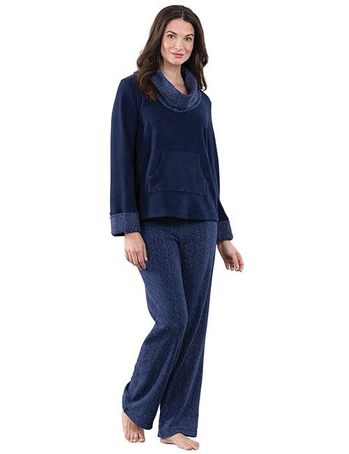 Best Women's Pajamas - Warm Fleece Pajamas