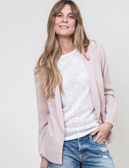 How To Wear A Blazer - Pink Blazer And A White Shirt