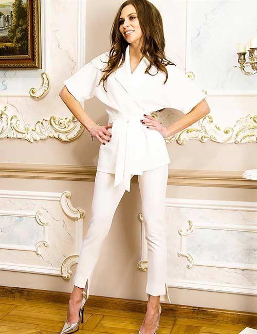 How To Wear A Blazer - White Blazer And Matching Set