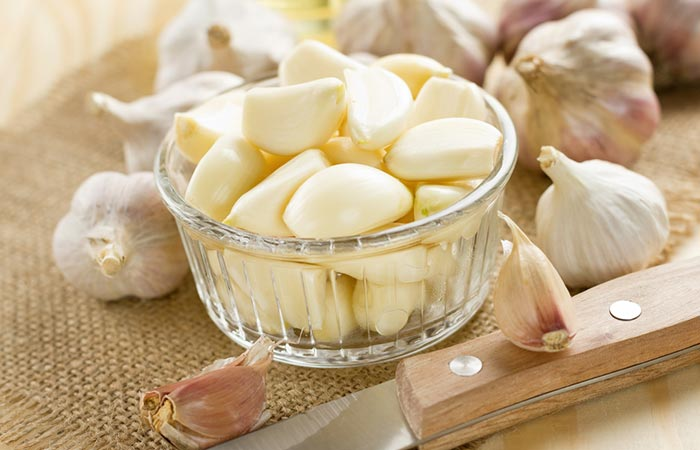 How To Use Garlic To Treat A Yeast Infection