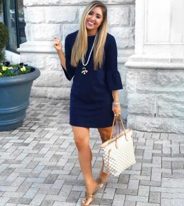 What Color Shoes Go With A Navy Blue Dress?