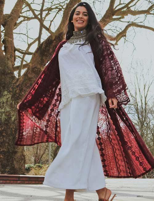 Coachella Outfit Ideas - Crochet Kimono