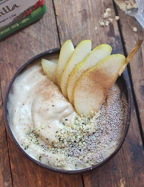 High-Protein Breakfast - Vanilla Banana Pear Smoothie