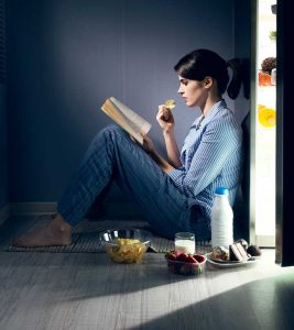 15 Best Ways To Stop Nighttime Eating Or Binging