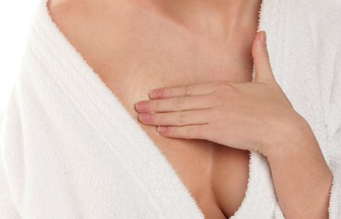 8. </p> <h5>  Shutterstock </p> </div> <h5>  Shutterstock </p> </div> <h5> </div> <h5> </div> <h5>  </h5> <p>  19659032] Gently massage each breast up with a circular motion [19659027] Continue to massage for 10 minutes and then wash the oil </li> </ol> <h5>  How often do you have to do this </h5> <p>  Do this daily [19659040] Why this works </h5> <p>  Massaging your chest regularly can help reduce the deposited fat in breast tissue (<a href=