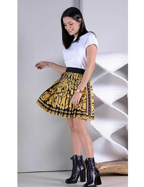 10. Pleated Skirt And Black Boots