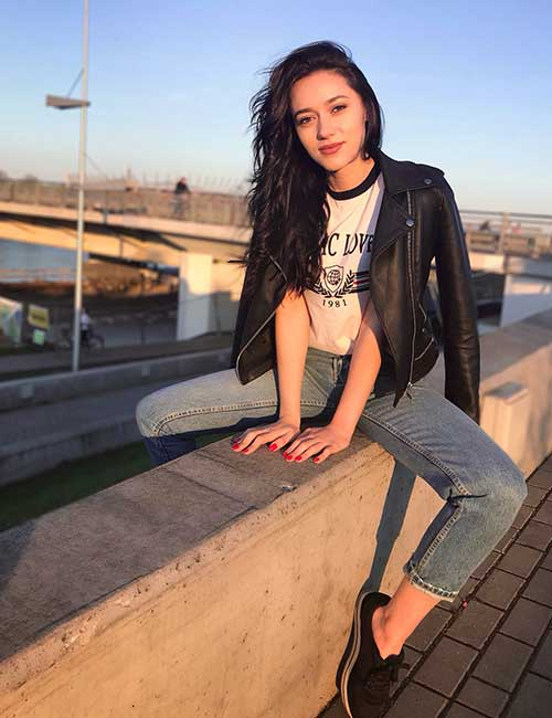How To Wear A Leather Jacket - Graphic Or Hoodie Tops With Leather Jacket