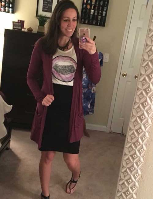 17. Casual Pencil Skirt Outfit