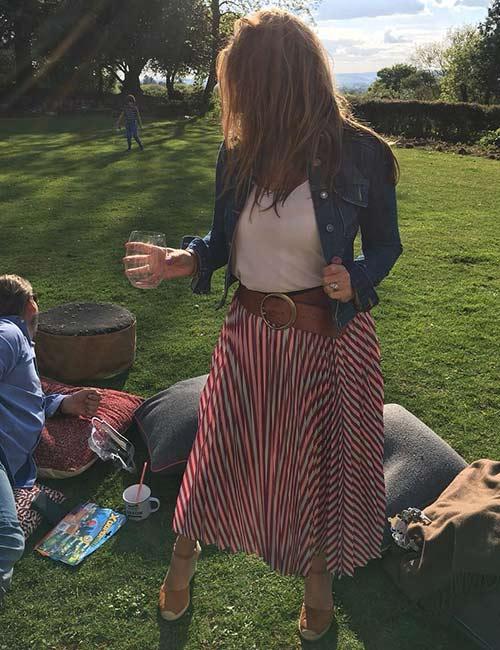 25. Maxi Skirts And Denim Jacket