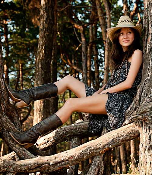 Best Outfits With Cowboy Boots - Floral Dresses And Cowboy Boots