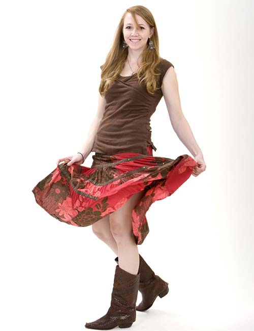 Best Outfits With Cowboy Boots - Floral Skirts And Cowboy Boots