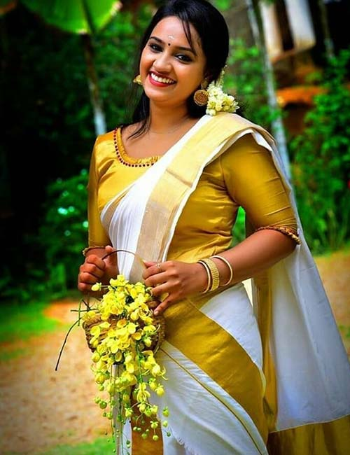 Best Kerala Saree Blouse Designs - Kerala Saree With Gold Brocade Blouse