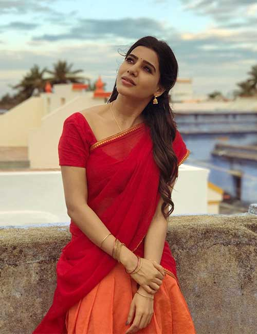 Samantha in a red sare