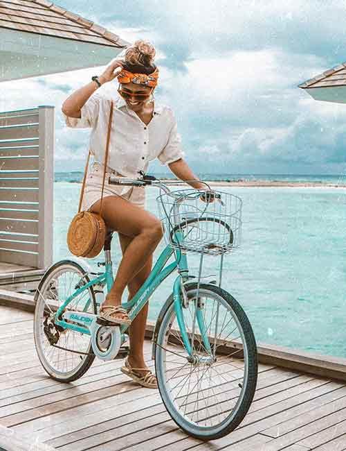 Best Fashion Bloggers - She Wears Fashion