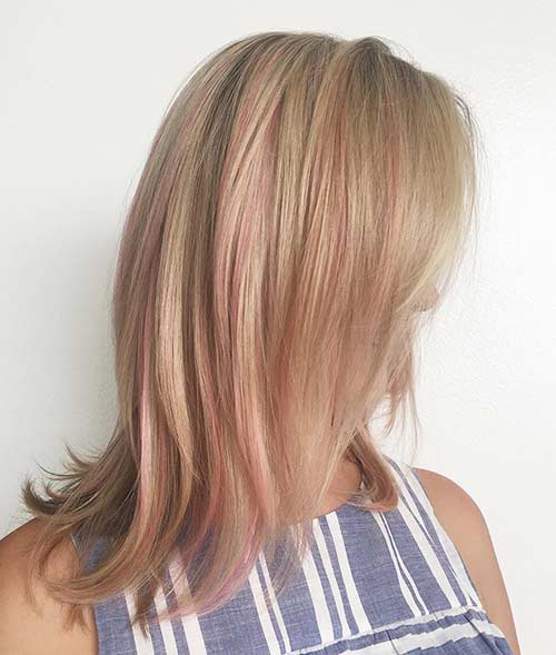 24. Strawberry Highlights On Dirty Blonde